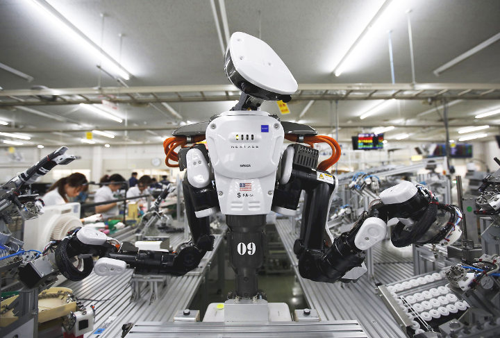 骇科技丨在向机器人征税这件事上,一位旧金山官员的想法和比尔·盖茨是一致的