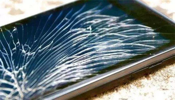 骇科技丨手机发展新趋势 8大优缺点带你彻底了解全面屏