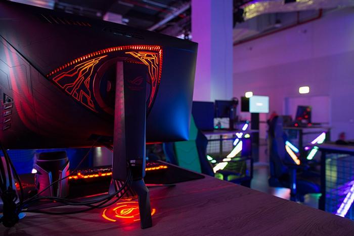 骇科技丨不好意思显示器也有RGB灯,华硕推出ROG Swift PG27VQ