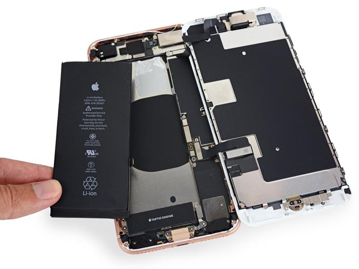 骇科技丨iPhone 8 Plus电池存在安全隐患?台湾发生首例电池膨胀事故